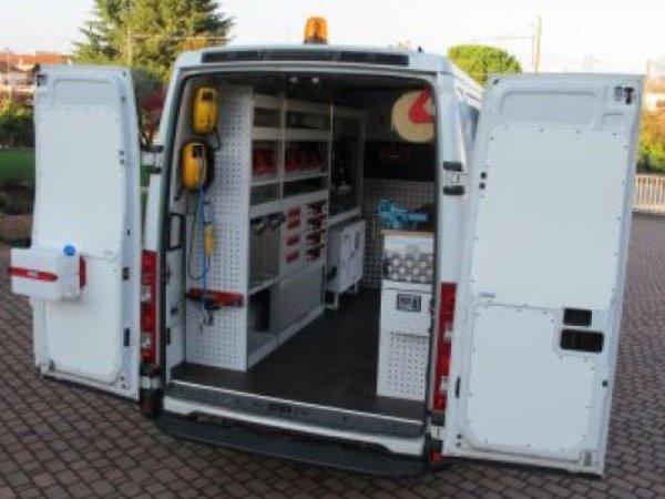 Amenagement vehicule utilitaire abm utilitaires for Amenagement interieur vehicule utilitaire